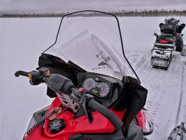 La conduite des motoneiges en Laponie