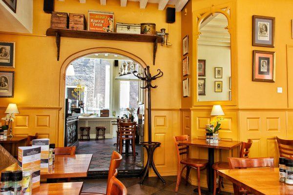 L'intérieur du restaurant t Hof van Eten de La Haye