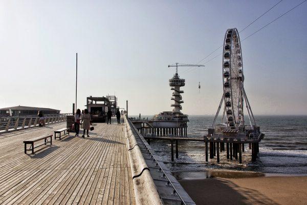 Le ponton de la plage de Scheveningen