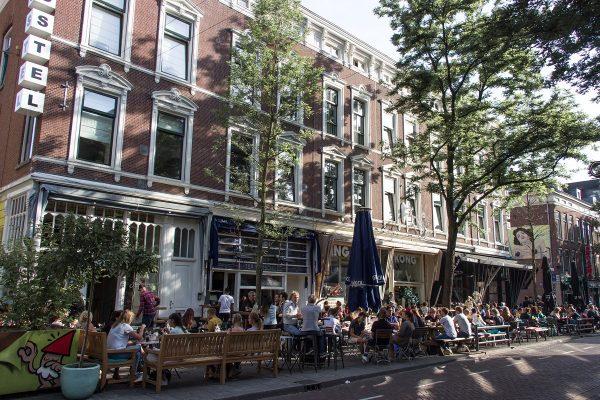 La rue des restaurants à Rotterdam