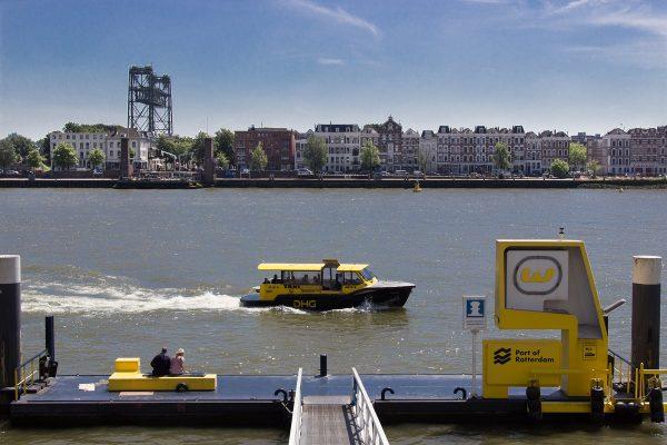 Le watertaxi de Rotterdam