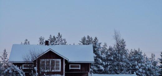 Un paysage d'hiver en Laponie