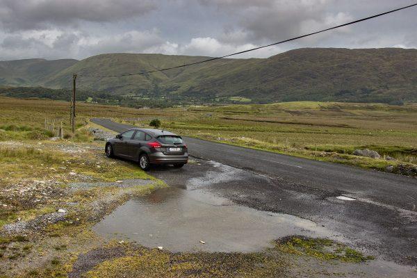 Ma voiture de location lors de mon road trip en Irlande