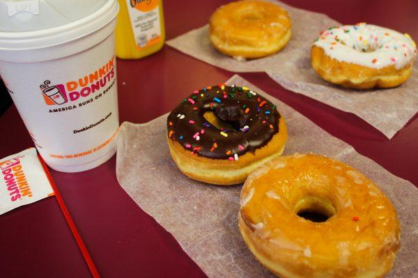 Petit-déjeuner dans un Dunkin Donuts à New-York
