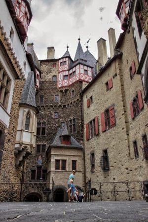 La cour intérieure du château de Eltz