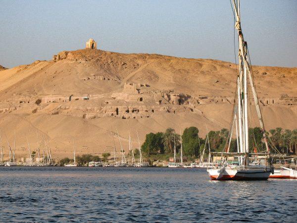 Felouque sur le Nil près d'Assouan