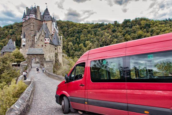 La navette d'accès au château de Eltz