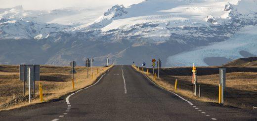 Louer une voiture en Islande et parcourir de magnifiques routes