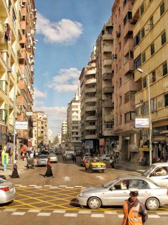 Dans le centre-ville d'Alexandrie en Egypte