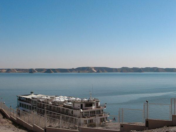 Bateau de croisière sur le lac Nasser