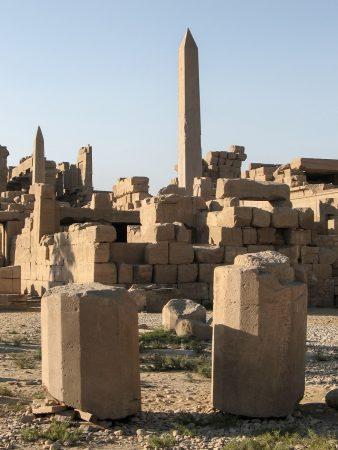 Sur le site du temple de Karnak