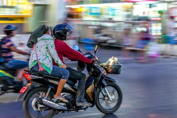 Scooter dans la ville de Phuket