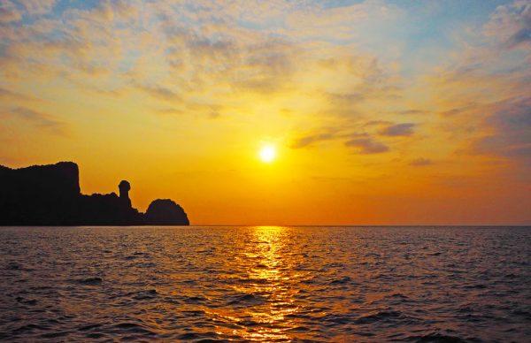 Excursion sur Koh Phi Phi au lever du soleil