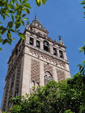 La giralda issue du passé musulman de la cathédrale de Séville