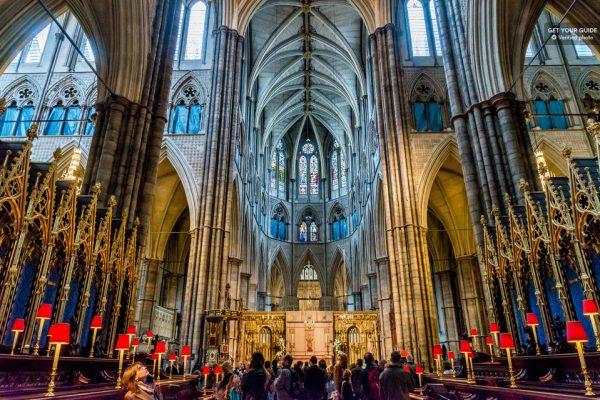 Dans l'abbaye de Westminster