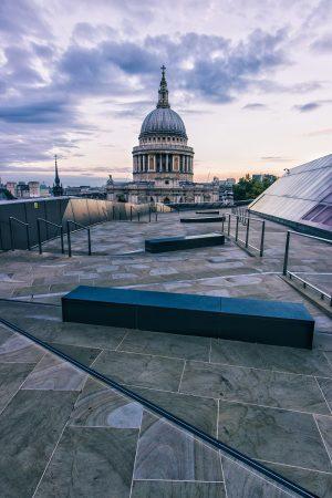La cathédrale Saint-Paul de Londres au lever du soleil