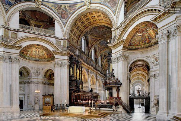 L'intérieur de la cathédrale Saint-Paul de Londres