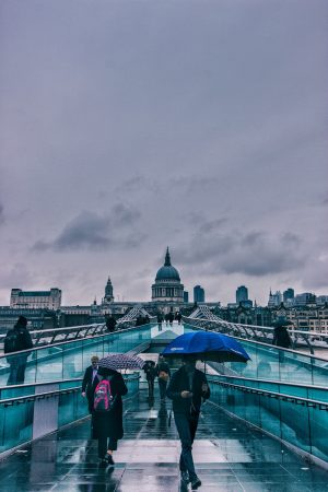 Sur le Millenium Bridge de Londres