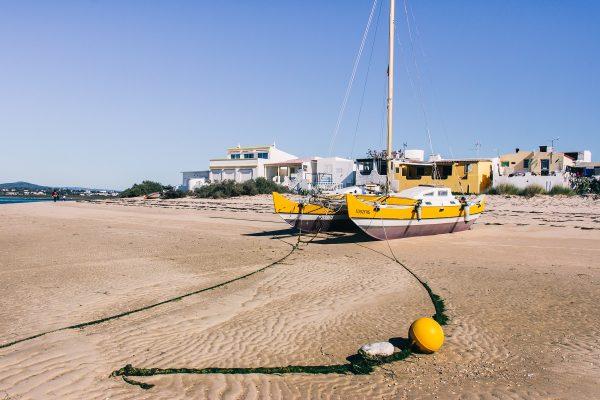 La plage de l'ilha Armona près de Faro