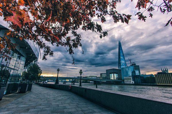 The Shard à Londres aux couleurs de l'automne