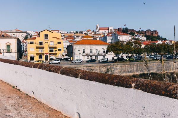 Vue sur Silves depuis son pont romain