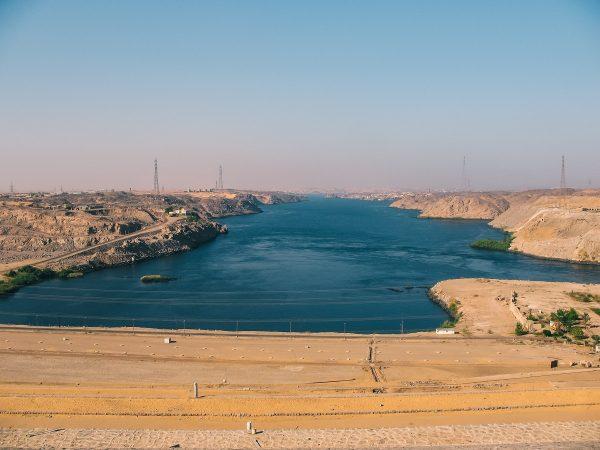 Sur le haut barrage d'Assouan