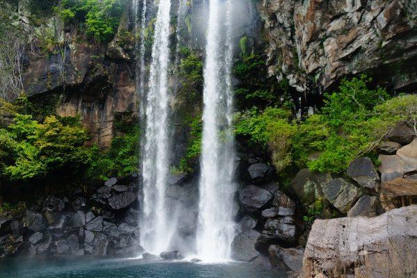 La cascade de Jeongbang