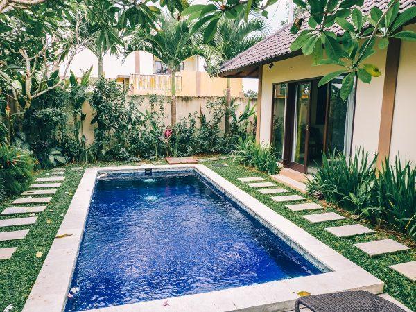 Piscine dans une villa à Bali