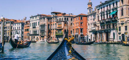 Balade en gondole à Venise, sur les canaux