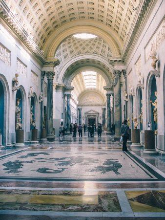 A l'intérieur des musées du Vatican