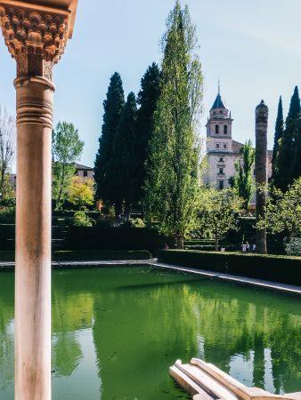 Bassin dans l'Alhambra