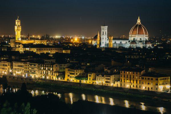 Panorama sur Florence de nuit