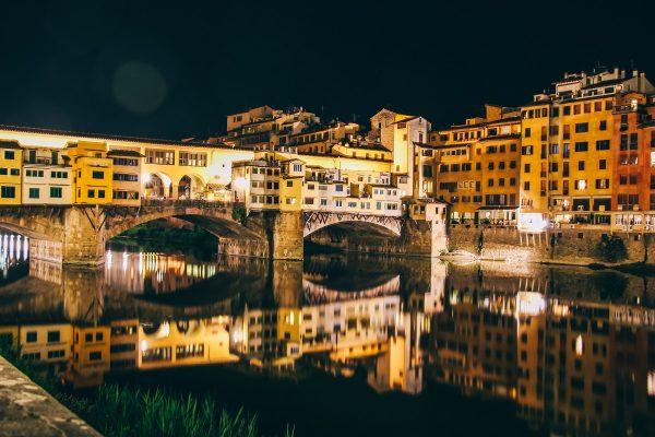Ponte Vecchio de Florence de nuit