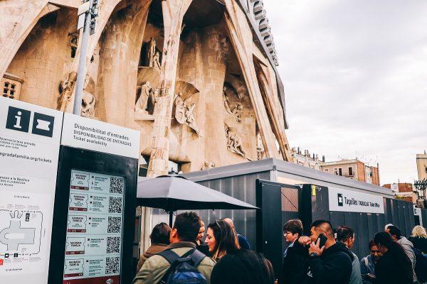 Achat des billets à la Sagrada Familia
