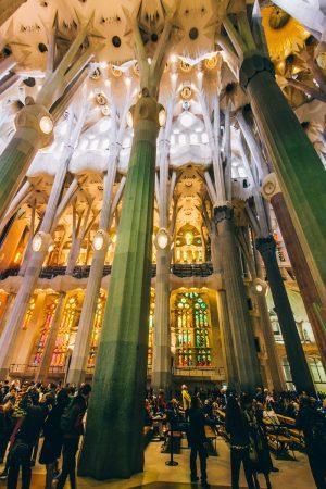 Colonnes à l'intérieur de la Sagrada Familia