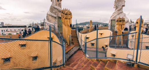 Sur les toits de la Casa Mila de Barcelone