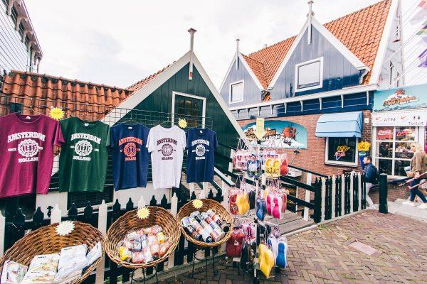 Boutique de souvenirs à Volendam