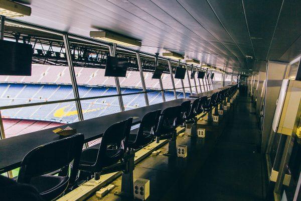 Cabines des commentateurs sportifs au Camp Nou