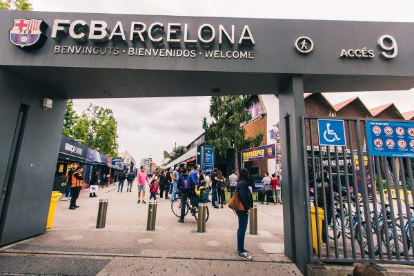 Entrée de l'enceinte du Camp Nou à Barcelone