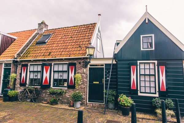 Maisons typiques dans Volendam