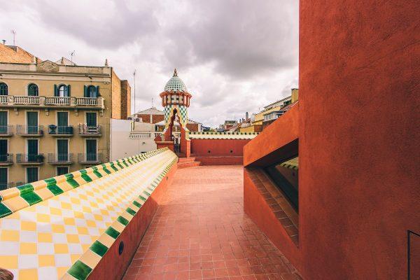La terrasse du toit de la Casa Vicens de Barcelone