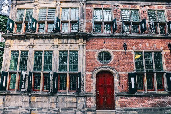 Façades de maisons dans Groningen