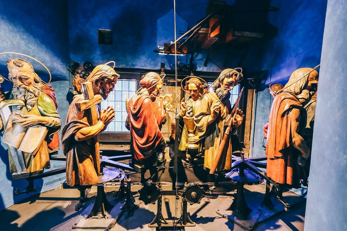 Les apôtres de l'horloge astronomique de Prague