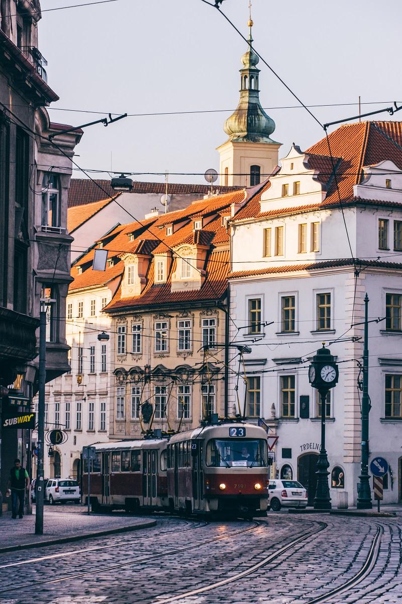 Tramway dans la Vieille-ville de Prague