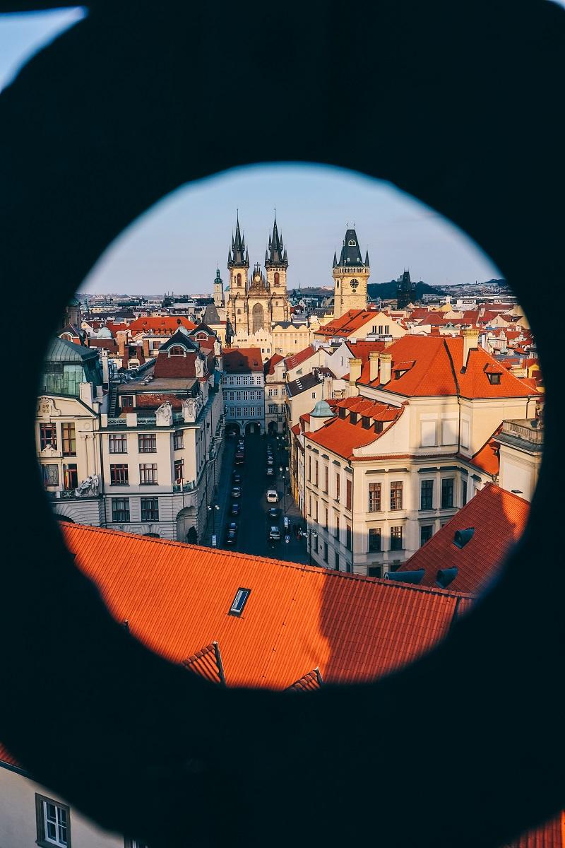 Vue sur Prague depuis la tour astronomique du Clementinum