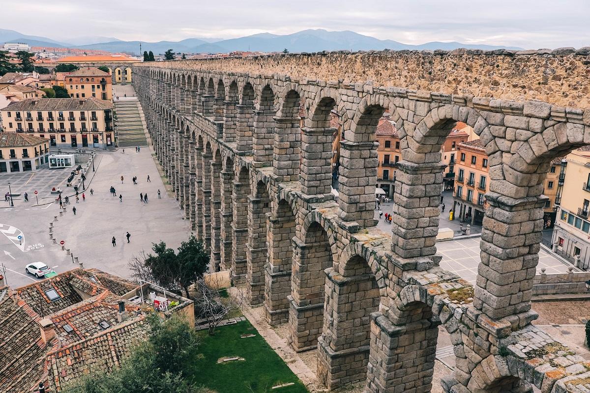 Aqueduc romain de Ségovie en Espagne