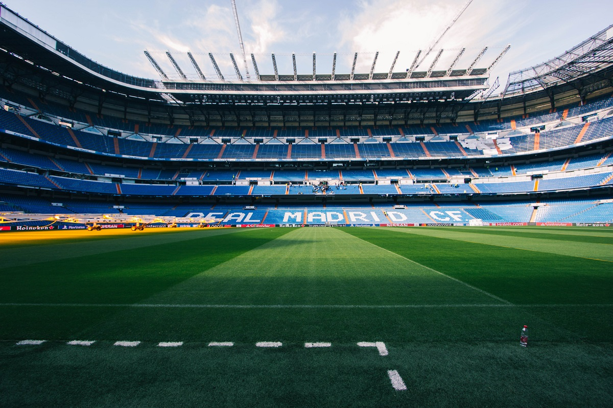 Pelouse du stade Bernabeu à Madrid