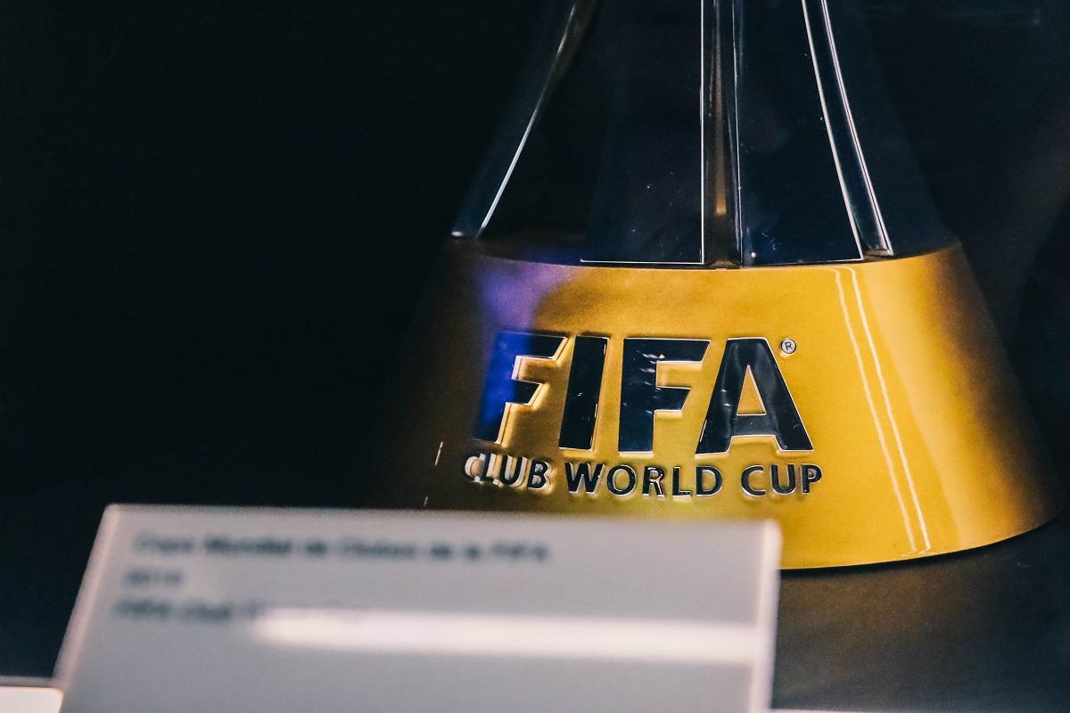 Coupe de la FIFA dans le musée du stade Bernabeu de Madrid