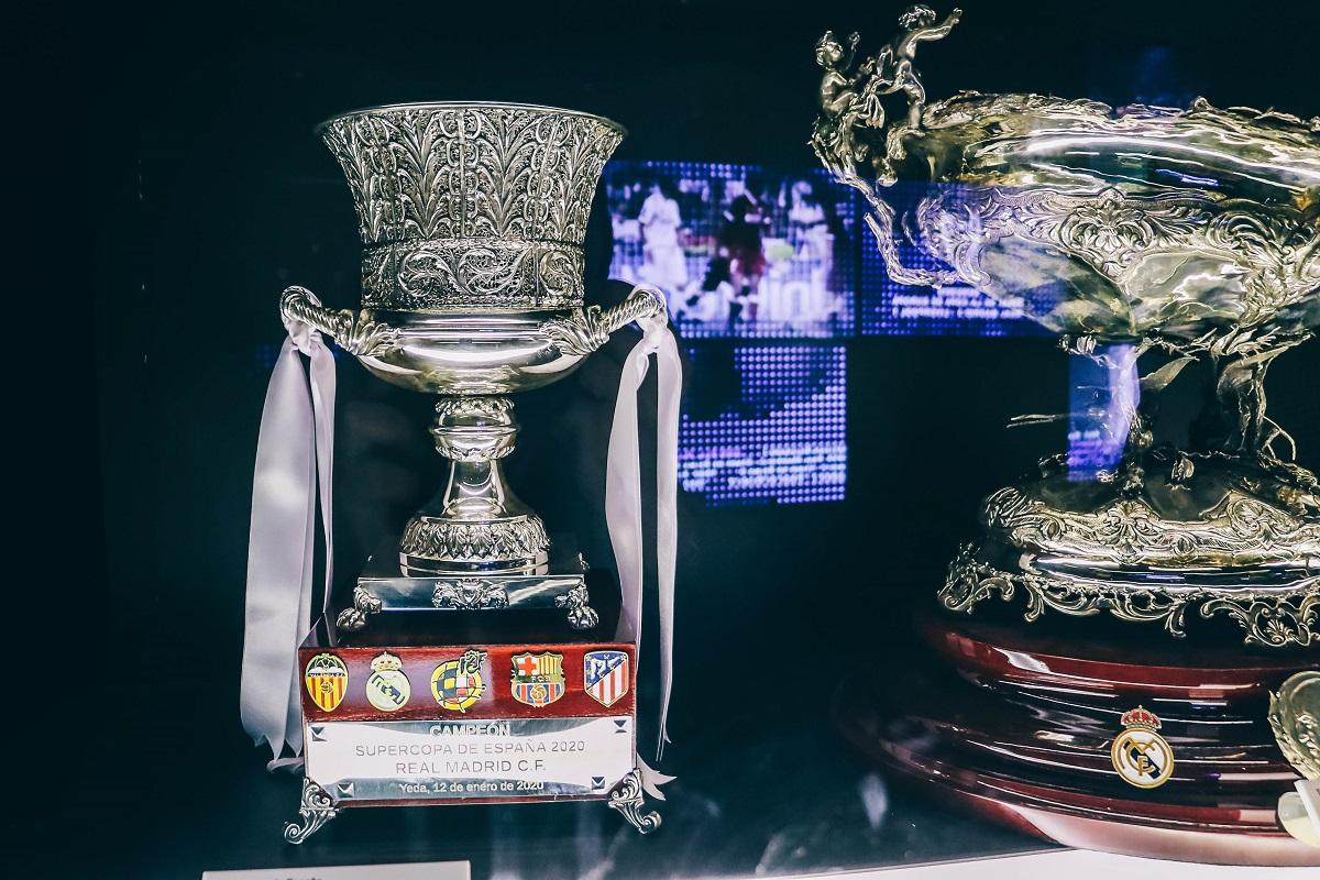 Coupes dans le musée du stade Bernabeu de Madrid