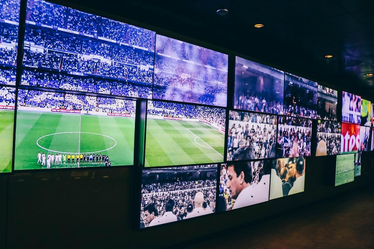 Ecrans dans le musée du stade Bernabeu de Madrid